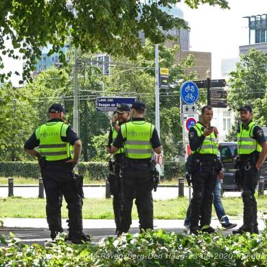 Freedom-Den-Haag-23-08-2020-police
