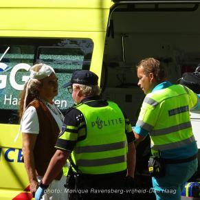 Vrijheid-20-augustus-2020-Den-Haag-ambulance
