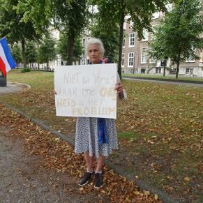 Vrijheid-20-augustus-2020-Den-Haag-old-Lady