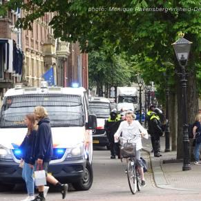 Vrijheid-20-augustus-2020-Den-Haag-old-woman