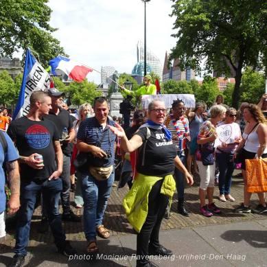 Vrijheid-20-augustus-2020-Den-Haag-Plein-people