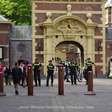 Vrijheid-20-augustus-2020-Den-Haag-police