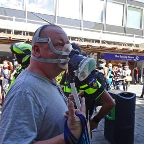vrijheid-Freedom-walk-gasmasker