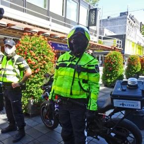 vrijheid-Freedom-walk-politie-team