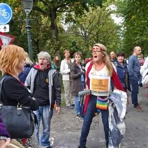 Freedom-Den-Haag-040920-sing-along