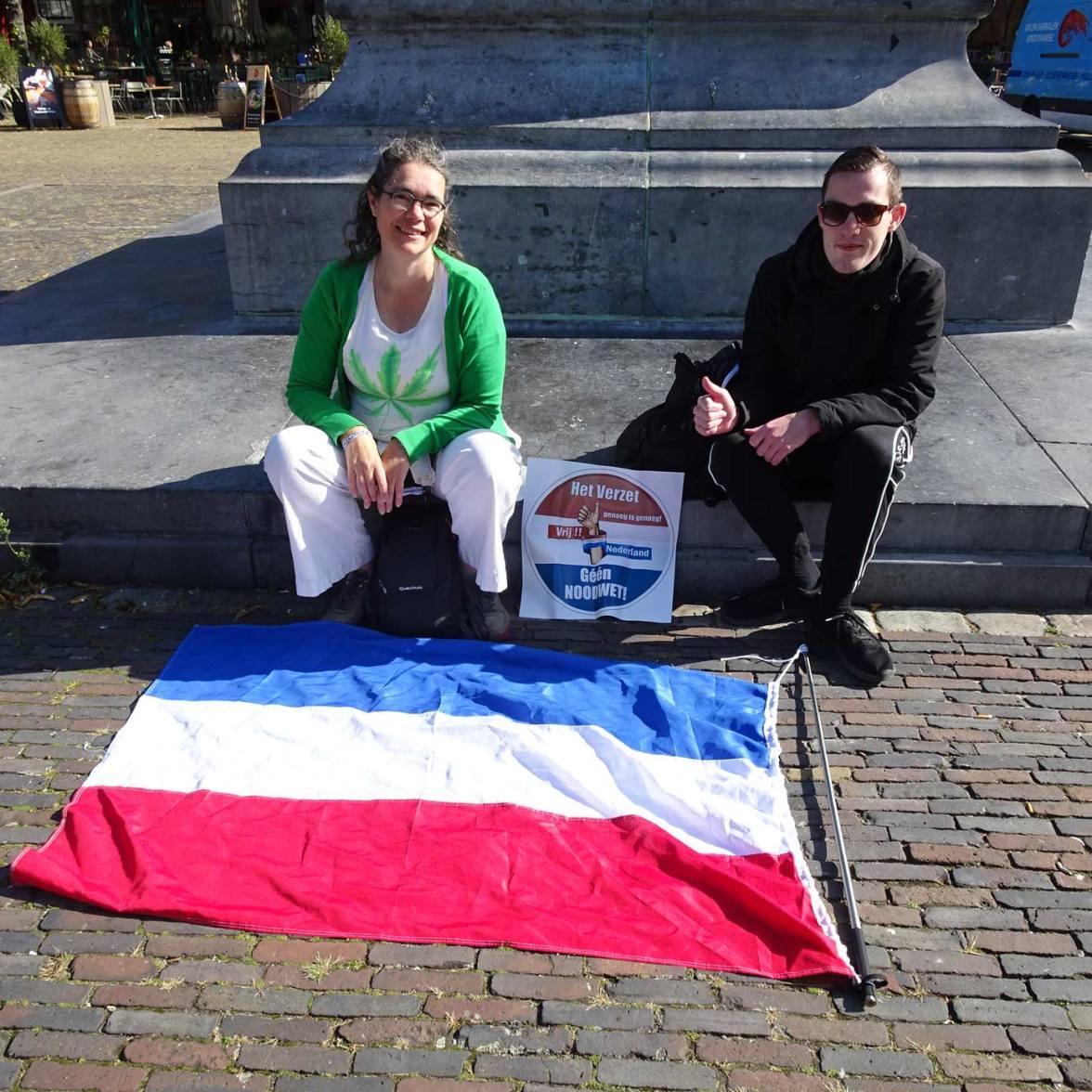 Freedom-Den-Haag-180920-sit-down