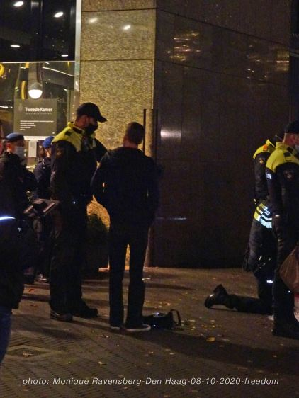 Freedom-Den-Haag-081020-arrest