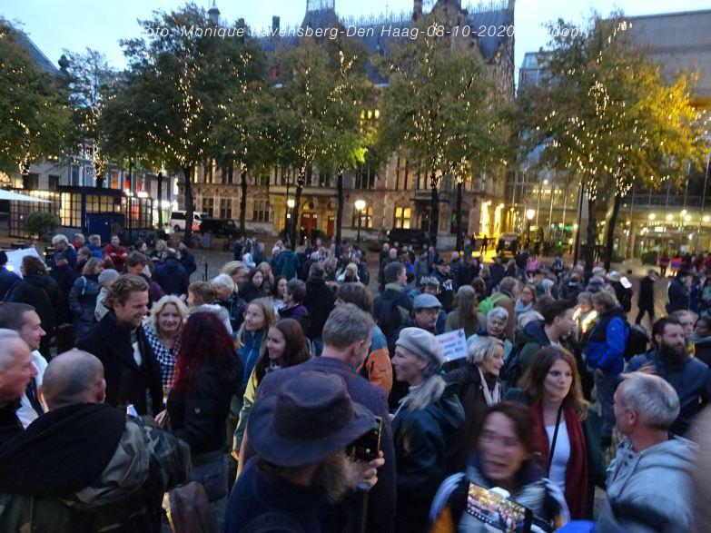 Freedom-Den-Haag-081020-crowd
