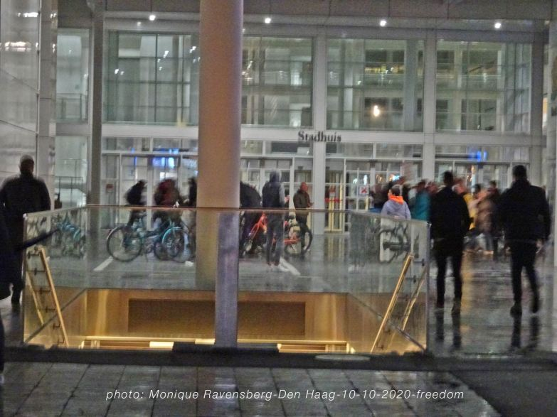 freedom-Den-Haag-101020-pass-cityhall