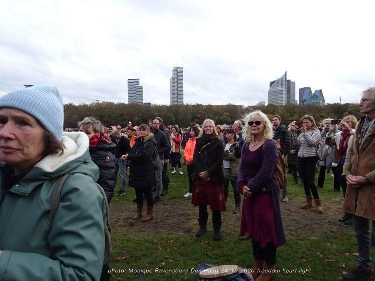 Freedom-Den-Haag-241020-crowd