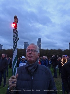Freedom-Den-Haag-241020-heart-embrella