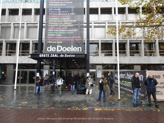 freedom-Rotterdam-291020-hide-for-the-rain