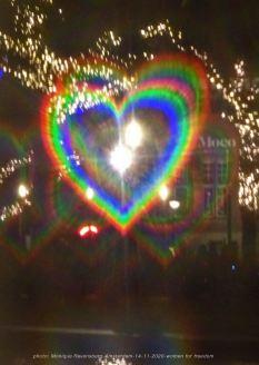 Freedom-Amsterdam-14-11-20-heartglow