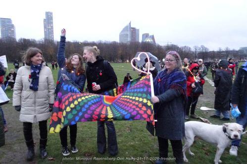 Freedom-Den-Haag-21-11-2020-rainbow-flag