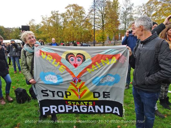 freedom-tour-Apeldoorn-31-10-20-propaganda