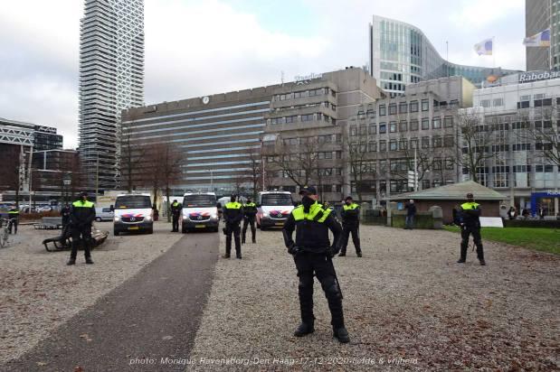 Freedom-Den-Haag-liefde-&vrijheid-police-block