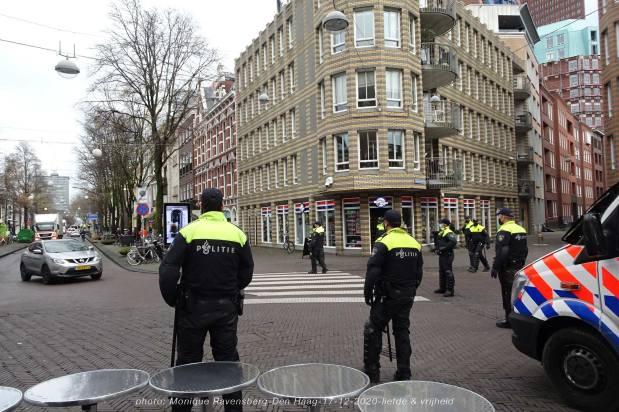 Freedom-Den-Haag-liefde-&vrijheid-police-force-2