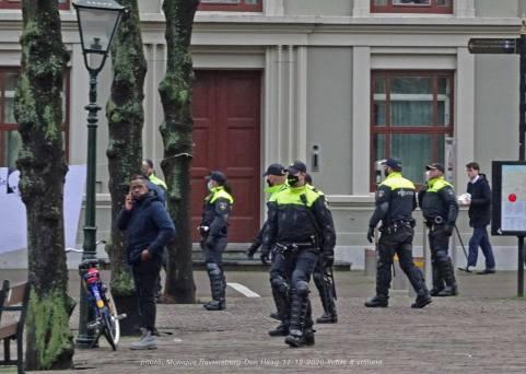 Freedom-Den-Haag-liefde-&vrijheid-Police-force