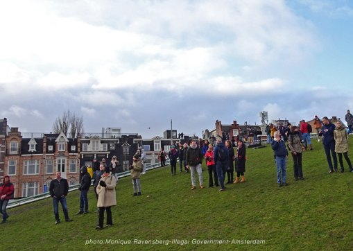 freedom-illegal-government-Amsterdam-17-1-21-on-the-roof