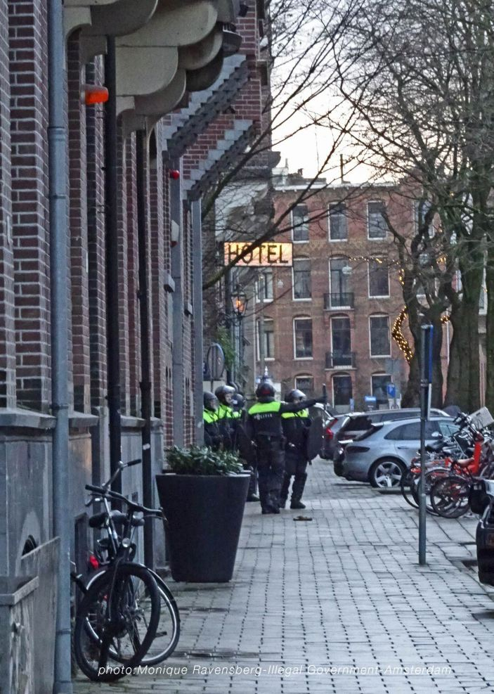freedom-illegal-government-Amsterdam-17-1-21-police-hunt