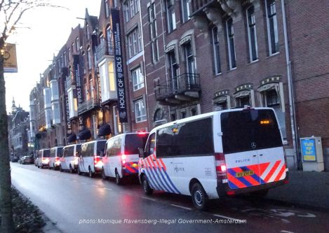 freedom-illegal-government-Amsterdam-17-1-21-policevan-lineup