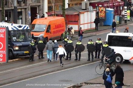 freedom-illegal-government-Amsterdam-17-1-21-roadblock