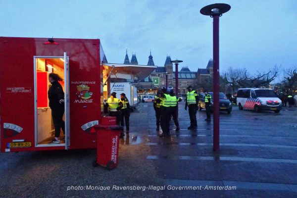 freedom-illegal-government-Amsterdam-17-1-21-snacktime