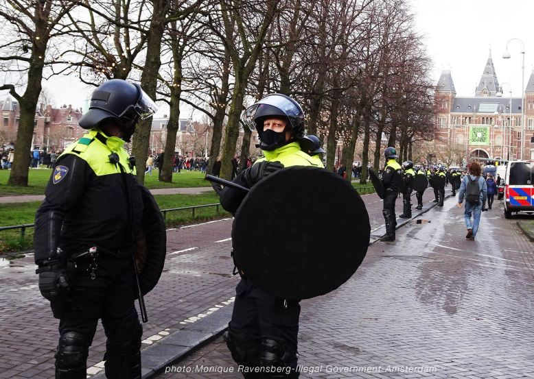 freedom-illegal-government-Amsterdam-17-1-21-take-possition