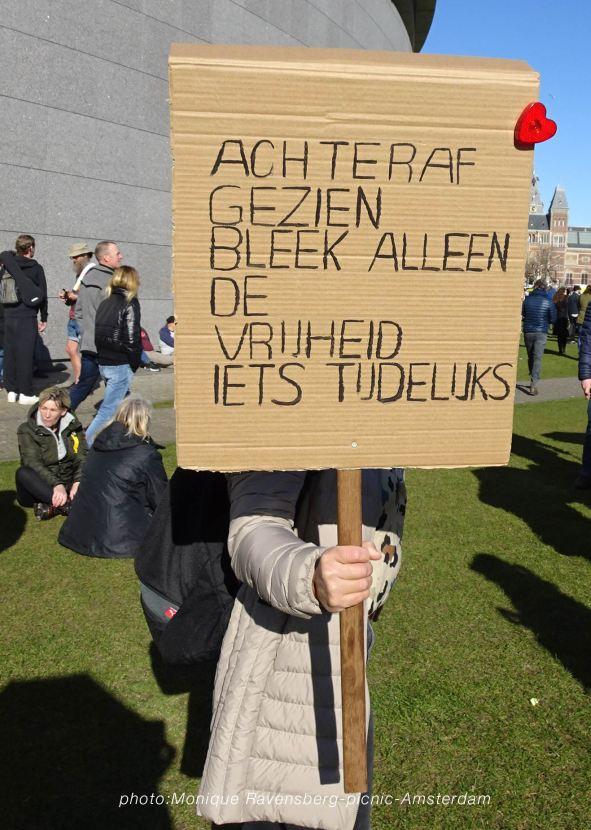 Freedom-21-02-28-picknick-Amsterdam-text