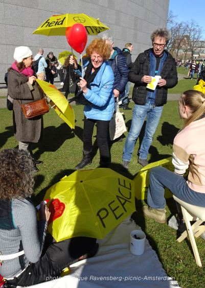 Freedom-21-02-28-picknick-Amsterdam-yellow-spot
