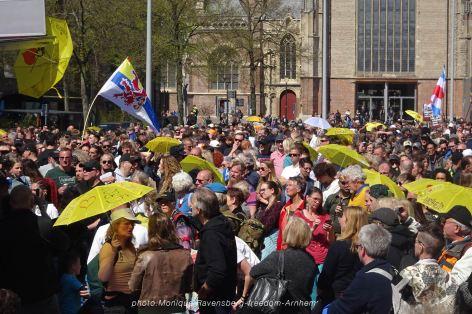 freedom-Arnhem-210427-crowd