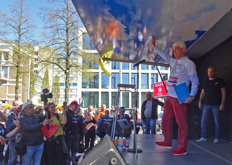 freedom-Arnhem-210427-gerard on stage