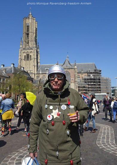 freedom-Arnhem-210427-light-on