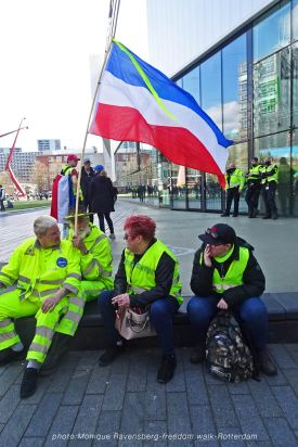 freedom-Rotterdam-walk-200417-sit