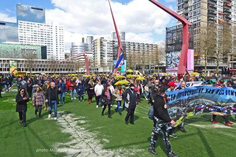 freedom-Rotterdam-walk-200417-start