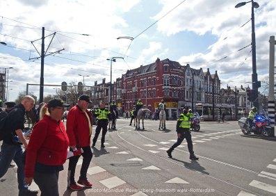 freedom-Rotterdam-walk-200417-traffic-stop