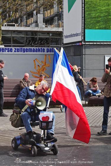 freedom-Rotterdam-walk-200424-look