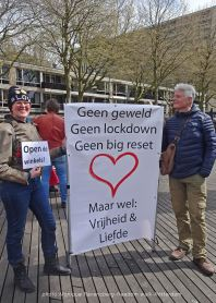 freedom-Rotterdam-walk-200424-message
