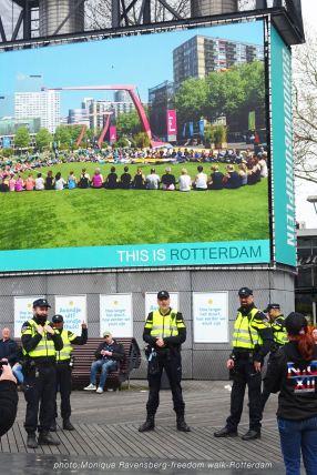freedom-Rotterdam-walk-200424-police
