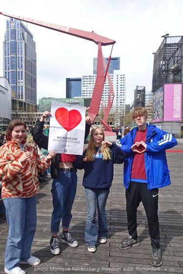 freedom-Rotterdam-walk-200424-teens-heart
