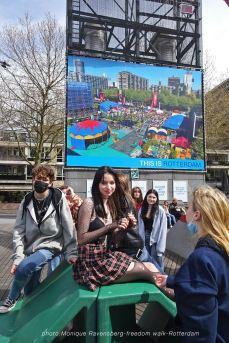 freedom-Rotterdam-walk-200424-teens