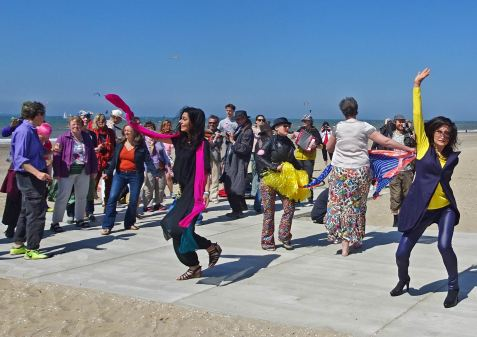 Dancer-encore-210530-Scheveningen-beach-dance