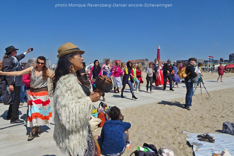 Dancer-encore-210530-Scheveningen-beach-time