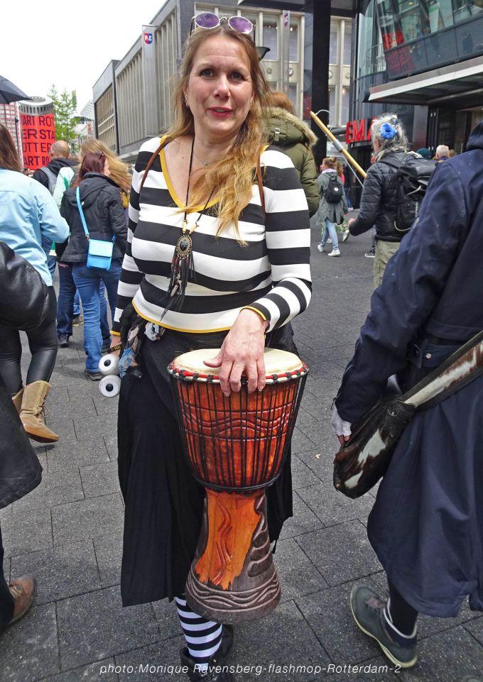 flashmop-210516-Rotterdam-djembe