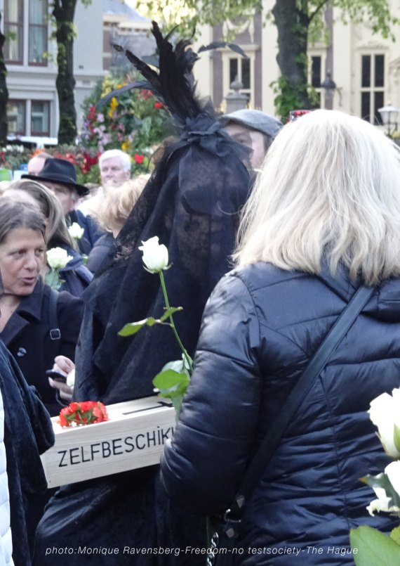Freedom-210516-The-Hague-mourn