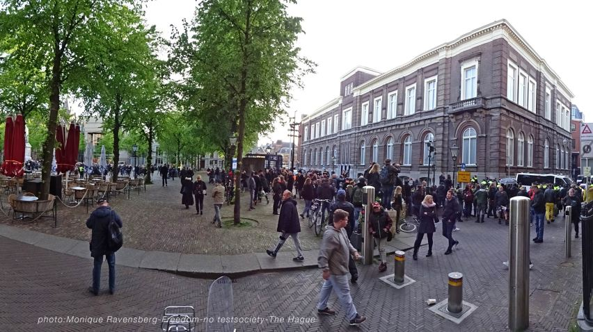 Freedom-210516-The-Hague-stop-panorama