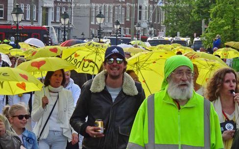 Freedom-210517-The-Hague-yellow-umbrella