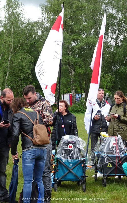 Freedom-210524-Apeldoorn-flags