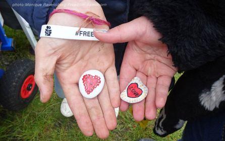 Freedom-210524-Apeldoorn-hands