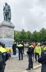 Freedom-210525-Den-Haag-police-line2
